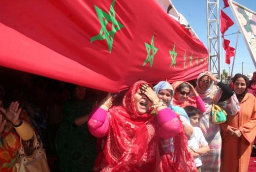 Le drapeau marocain flotte sur les hauteurs de Tindouf